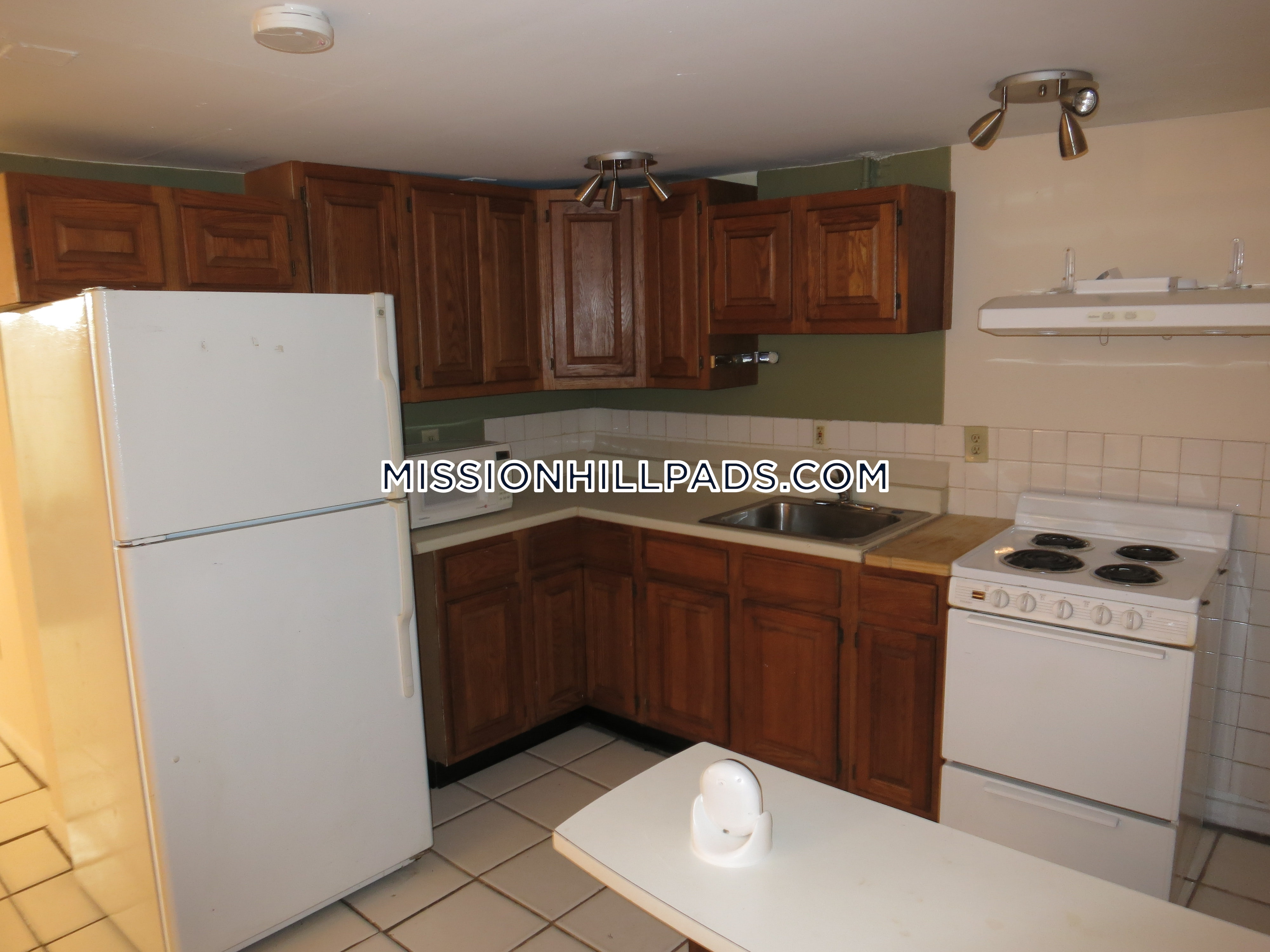 ... Exceptional 1 Bedroom Apartment In Boston Mission Hill. $1,700   Boston    Mission Hill ...