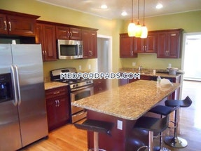 Medford Gorgeous 4 bed 2 bath in Medford  Tufts - $3,200