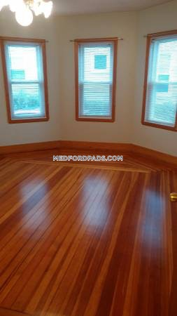 Newly Renovated 2 Bed 1 Bath with Free Laundry in Building $1,800 - Medford - Wellington $1,800
